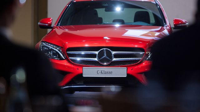 daimler becomes first to predict profit hit on trade war bloomberg rh bloomberg com