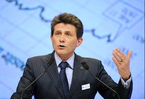 Axa SA CEO Henri de Castries