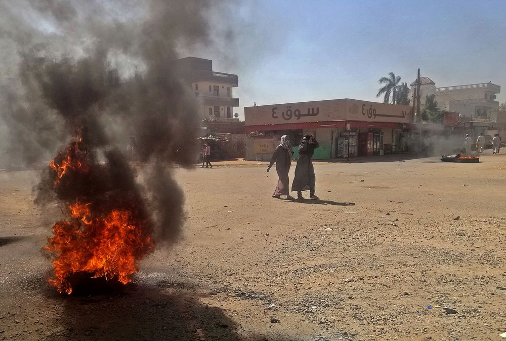 U.A.E. Lending $300 Million to Crisis-Hit Sudan, Official Says