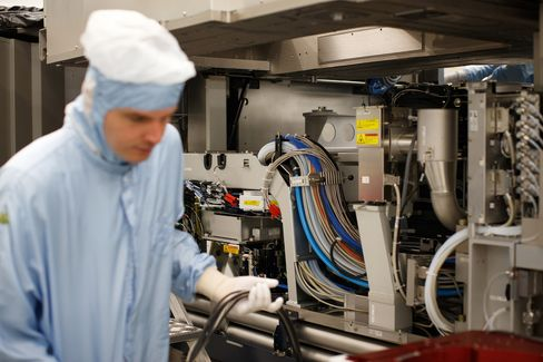 ASML Holding NV Lithography Manufacture
