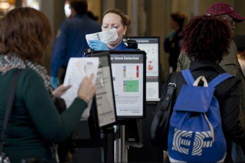 TSA to Test Private Vendor to Help Speed Up U.S. Airport Checks