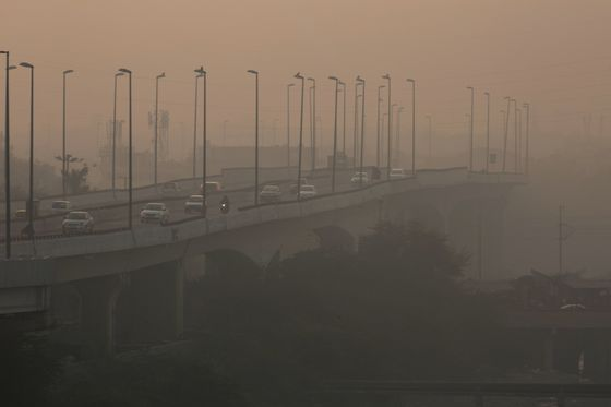Toxic Air Adds to India's Woes as Economy Deteriorates
