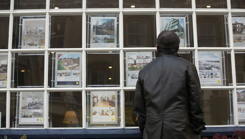 U.K. February Mortgage Approvals Decline More Than Forecast
