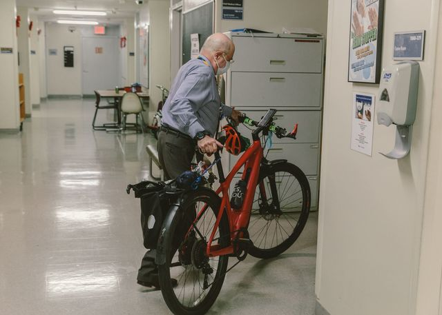 Edward Fishkin, physician and Chief  Medical Officer at NYU School of Medicine, commutes on a Specialized Turbo Vado e-bike.