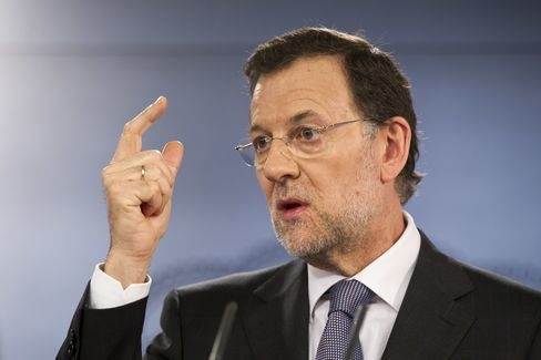 Europe Seeks to Restore Calm After Spain Downgrade,