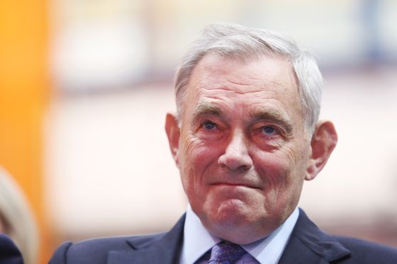 EasyJet Seeks New Chairman as Barton Prepares to Step Down: Sky