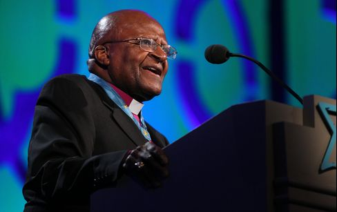 Desmond Tutu takes the stage during the 2014 Starkey Hearing Foundation So The World May Hear Gala on July 20, 2014 in St. Paul, Minnesota.