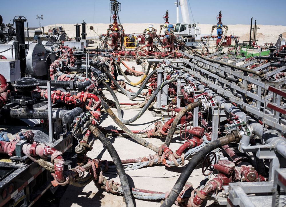 Shale Oil Boom Leaves the World Awash in Light Sweet Crude