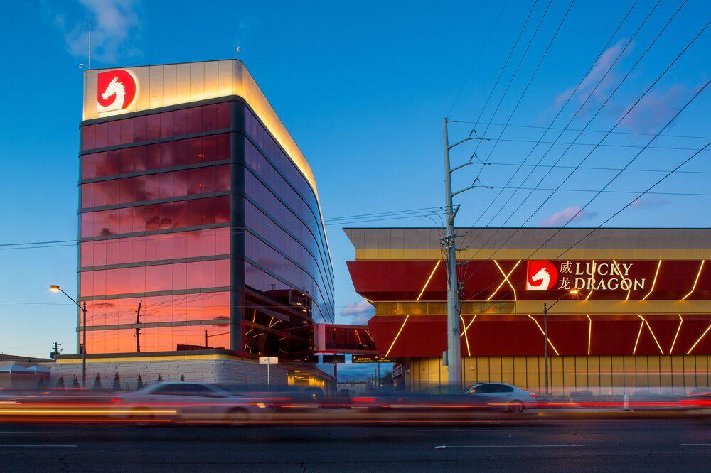 Visas For Dollars Backers Of Failed Vegas Casino May Lose Both