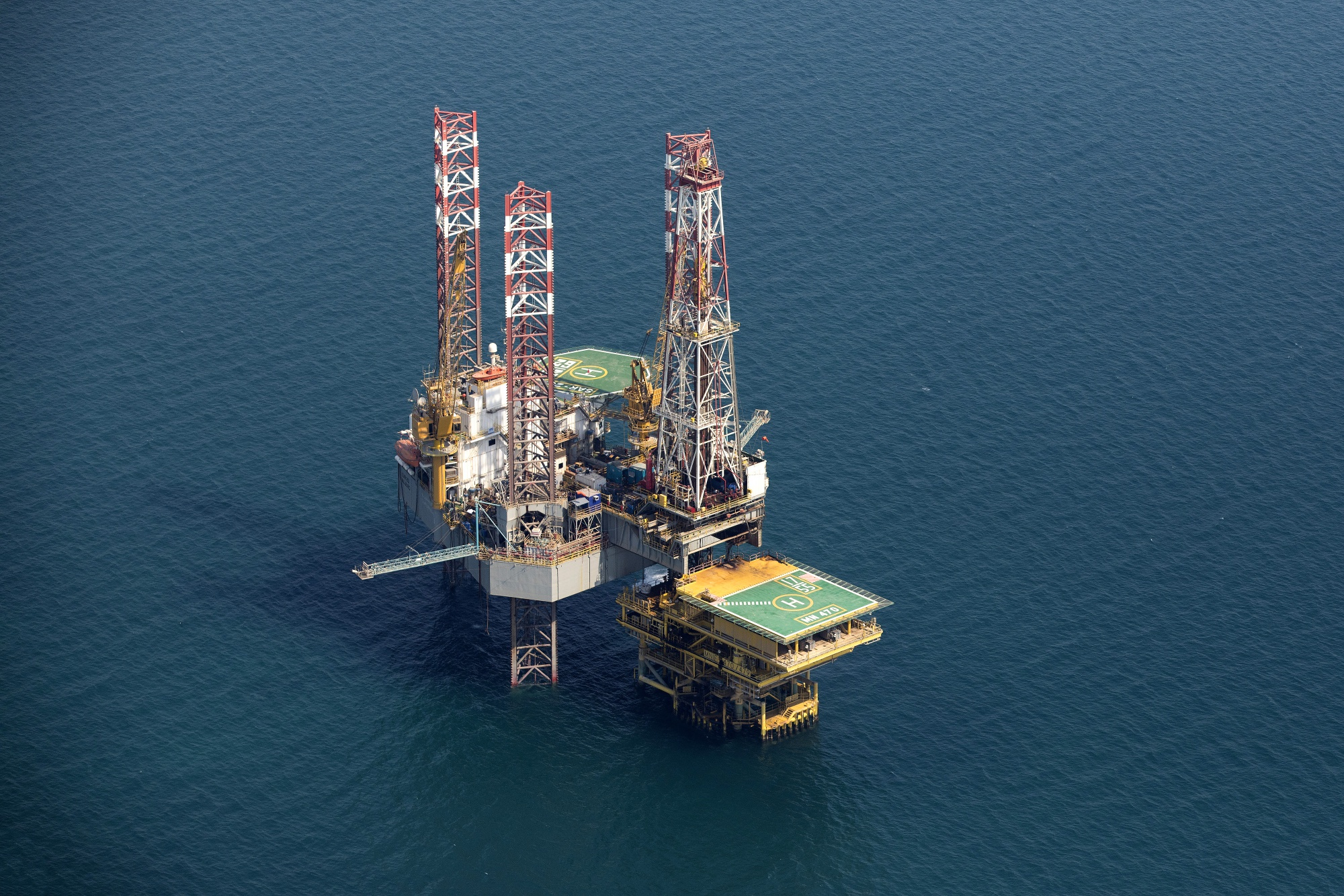 Winners and Losers in Big Oil's Offshore Spending Revival - Bloomberg