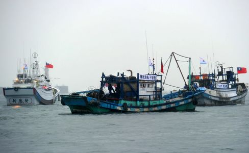 Boats From Taiwan and China Near Islands Disputed by Japan