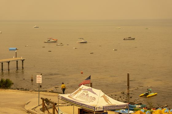 Firefighters Push to Divert Blaze From Lake Tahoe as Winds Fade