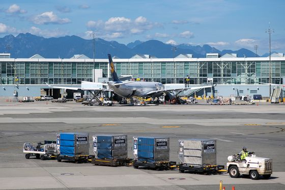 Struggling Airports Implore Trudeau to Help Hardest-Hit Sectors