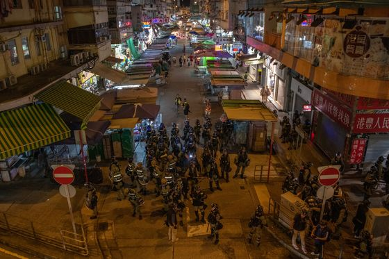 Hong Kong Expats Eye Exit as Protests Threaten 'World City'