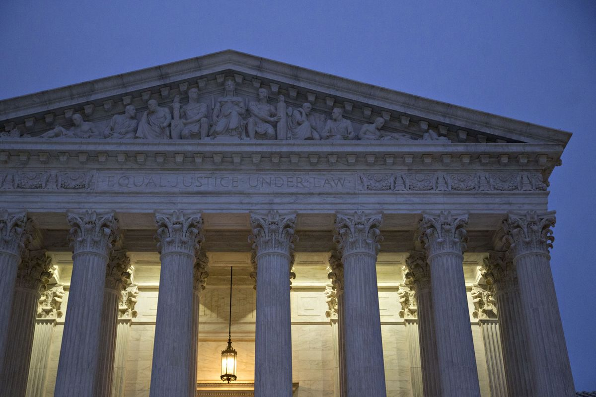 Trump Appeal in Deportation Clash Gets U.S. Supreme Court Review