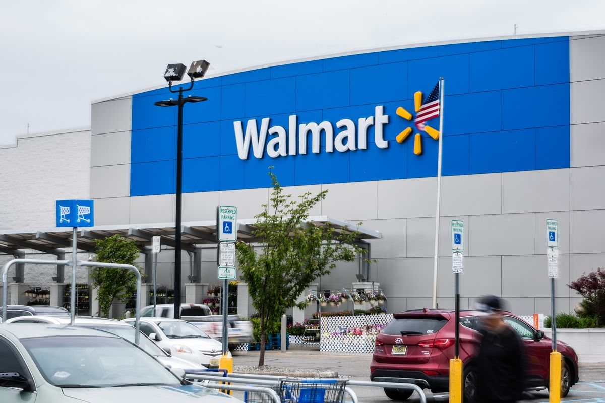 wal mart and the economy Readbag users suggest that wal-mart and the local economy is worth reading the file contains 4 page(s) and is free to view, download or print.