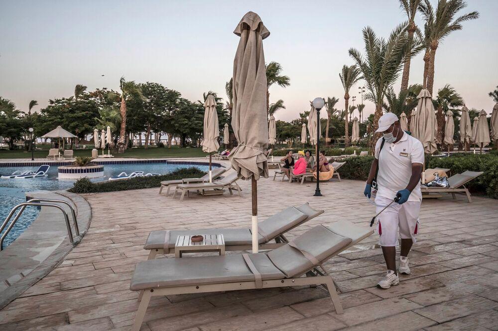 Egypt Cairo Coronavirus Cases Latest News On Covid 19 Bloomberg