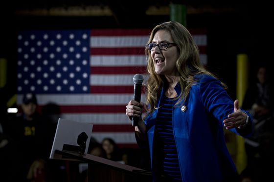 Democrat Wexton Ousts Republican Comstock in Virginia House Race