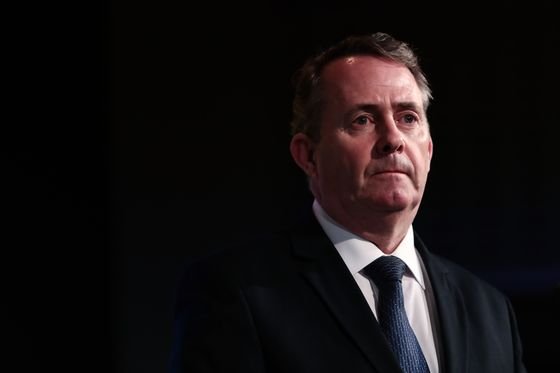 Fox Warns Tory Rebels Not to `Play Games' With U.K. Trade Bill