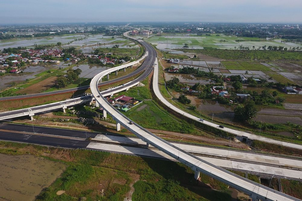 $70 Billion Toll-Road Splurge Aims to Connect Indonesia's Sprawl