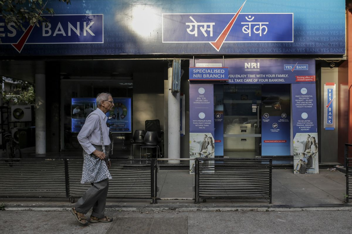 Yes Bank Extends Drop to 19%; Heads for Lowest Since Sept 2013