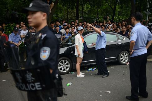 Guangzhou Uber Drivers Protest
