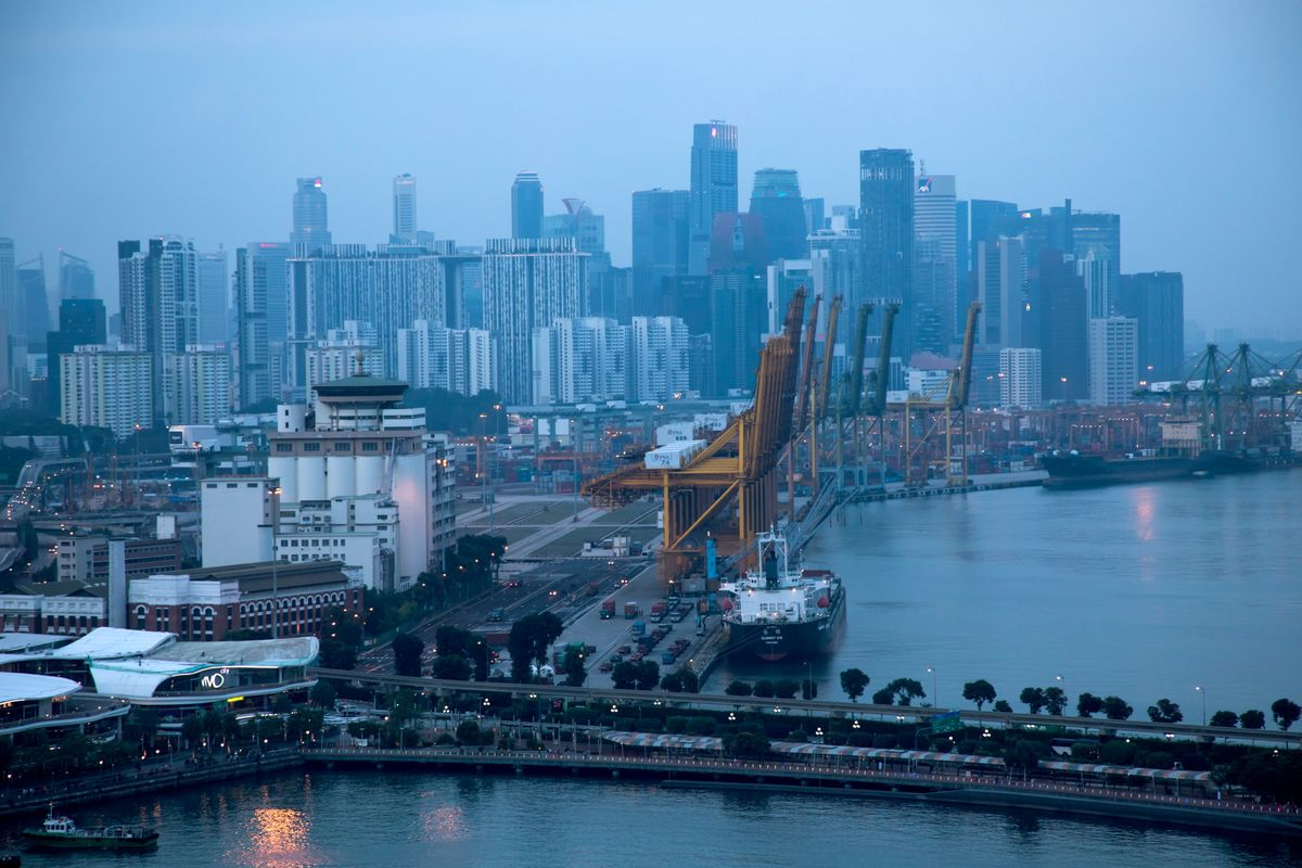 Singapore's Export Slump Worsens as Trade-War Impact Spreads
