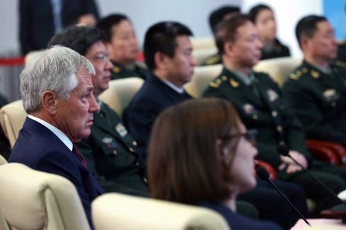 China's Military Chiefs Lecture the Visiting U.S. Defense Secretary