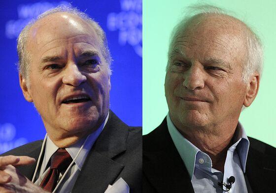 KKR's Billionaire Founders Hand Leadership Reins to Joe Bae, Nuttall