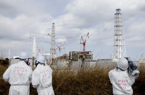 Japan's Edano Recalls Threat of Evacuation at Fukushima Plant