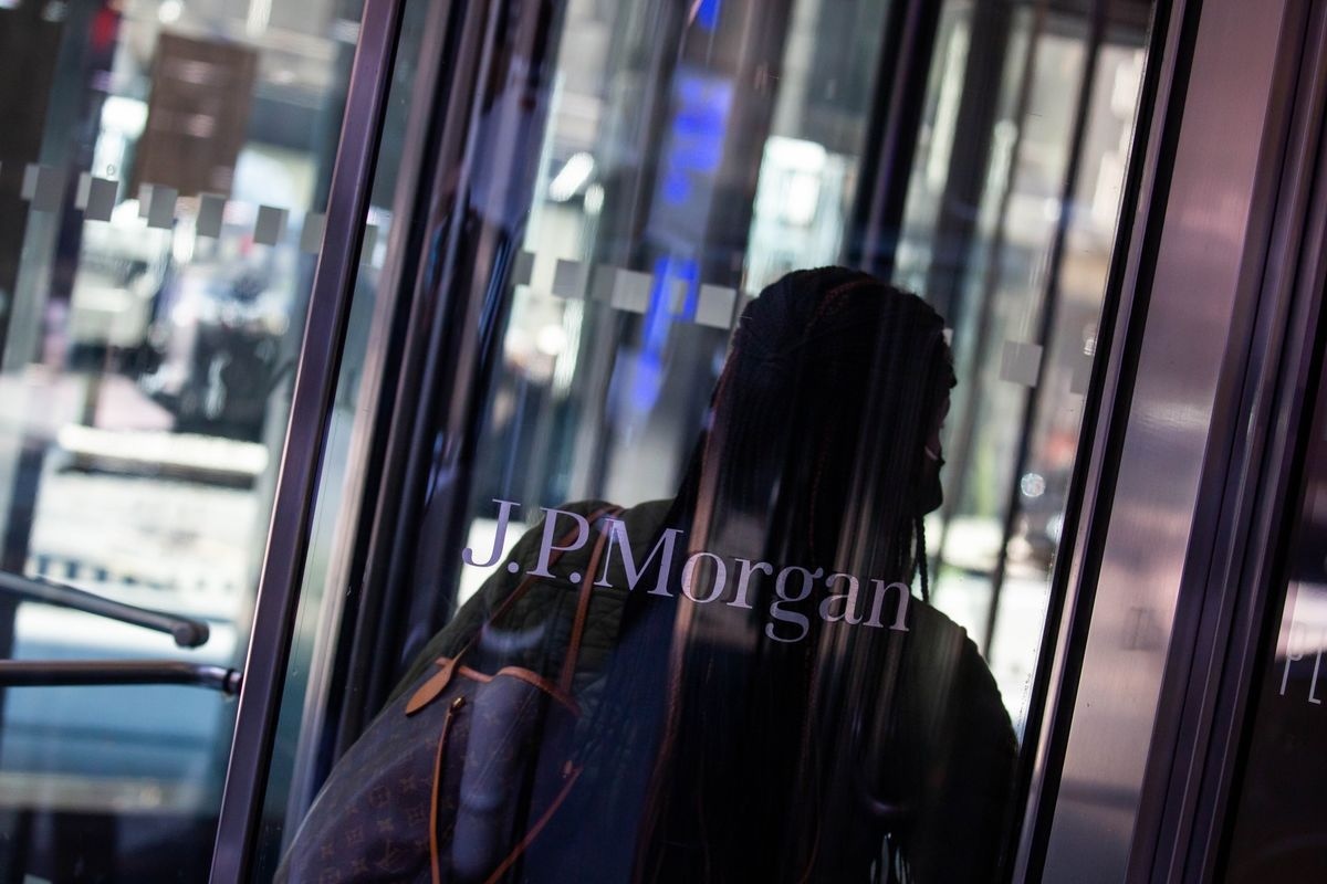 bloomberg.com - Michelle F Davis - JPMorgan Finds More Than 500 Workers Got U.S. Virus Relief Funds