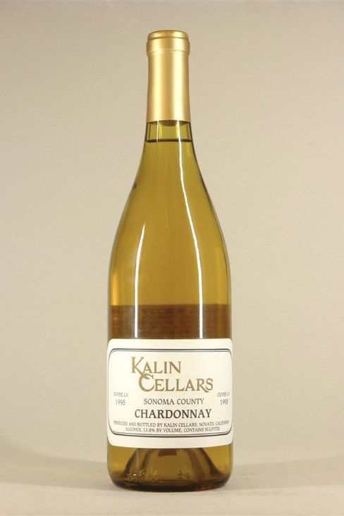 """Many California whites simply aren't built for aging, butKalin's""""Cuvée L.V."""" Chardonnay from 1995 is a rare, delicious exception withtoasty, tangerine, and honeyed aromas."""