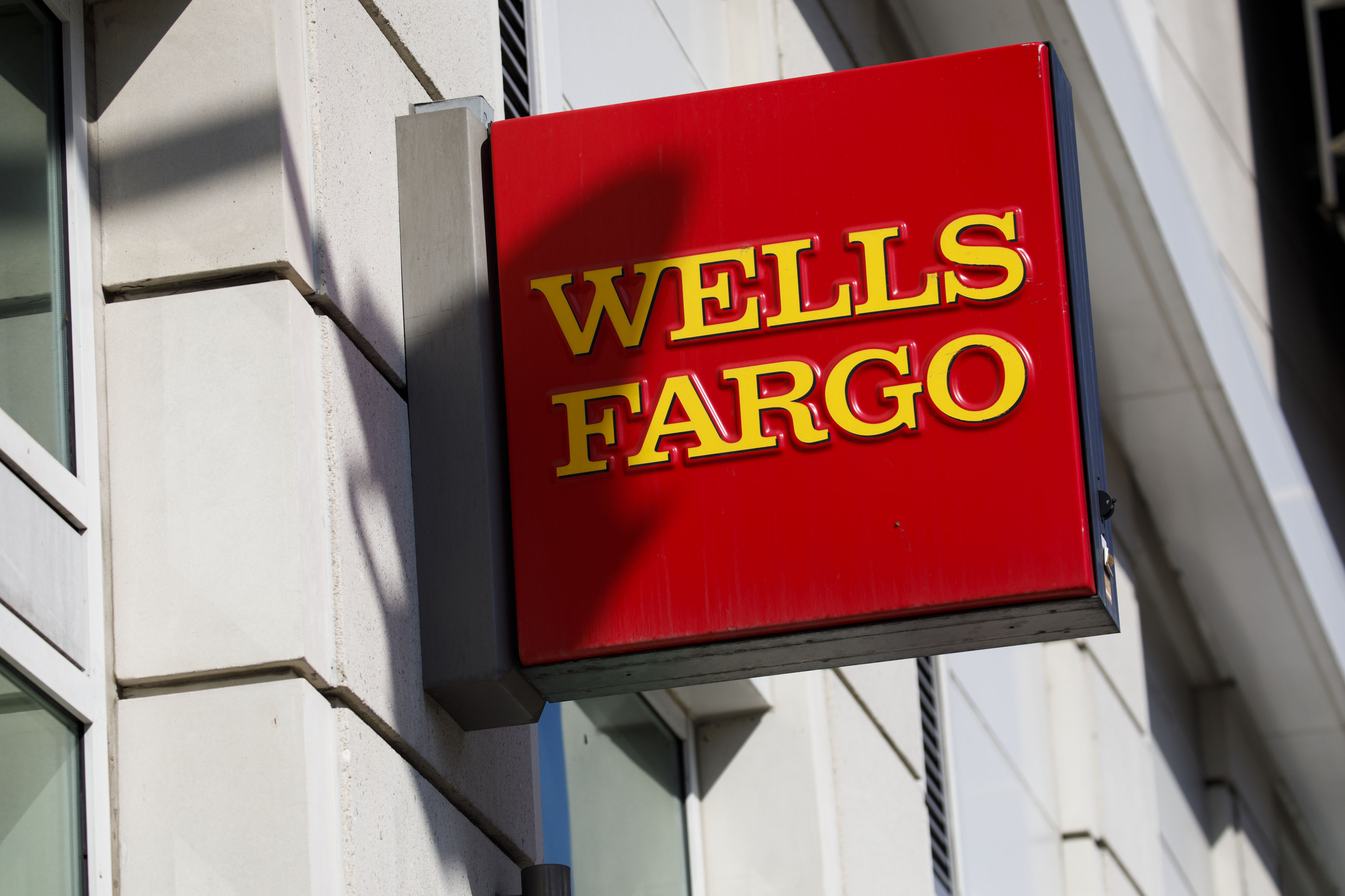 Wells Fargo Payday Loan >> Wells Fargo Leaves A Potential Smudge In Squeaky Clean