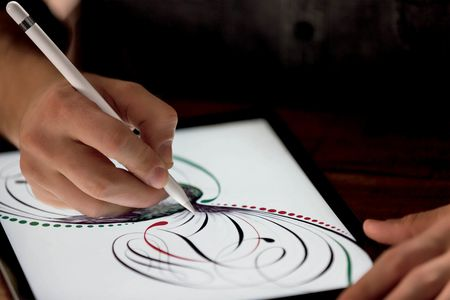 The optional Apple Pencil, which convincingly mimics traditional pens, brushes and markers.