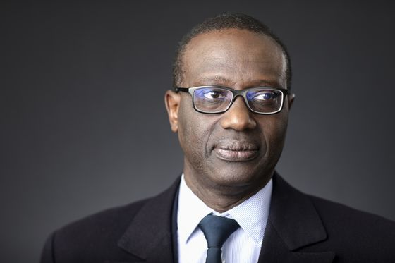 Thiam Says Credit Suisse Isn't Planning Further Trading Cuts