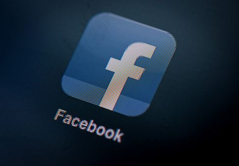 Facebook Introduces Mobile Software Bazaar With 600 Applications