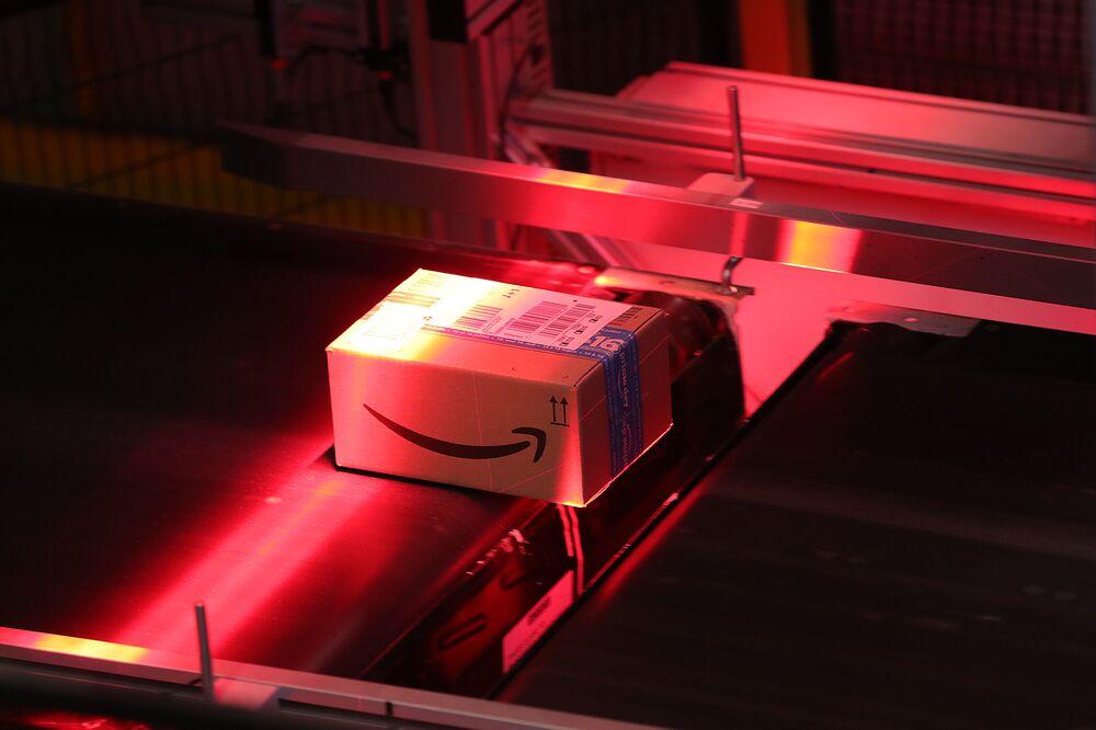 Amazon Faces EU Probe as Vestager Plans Summer Finale