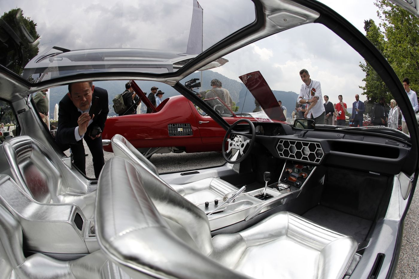 relates to The World's Rarest Cars on Show at Lake Como