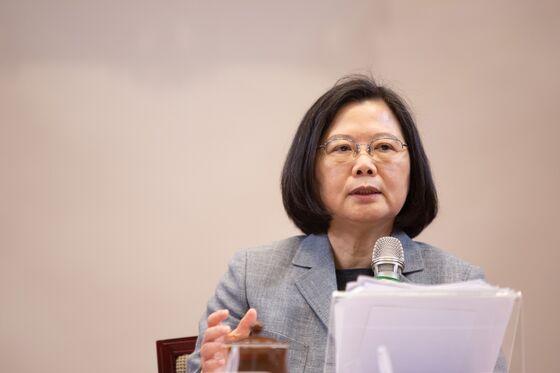 Brash China-Friendly Taiwan Mayor Stirs Talk of President Run
