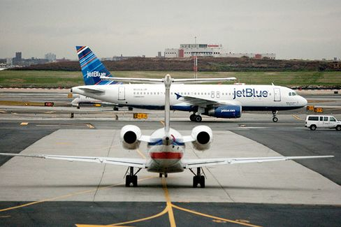 Smaller Carriers and the Flawed Deal to Make an Airline Giant