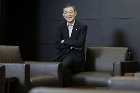 Yasuyuki Yoshinaga