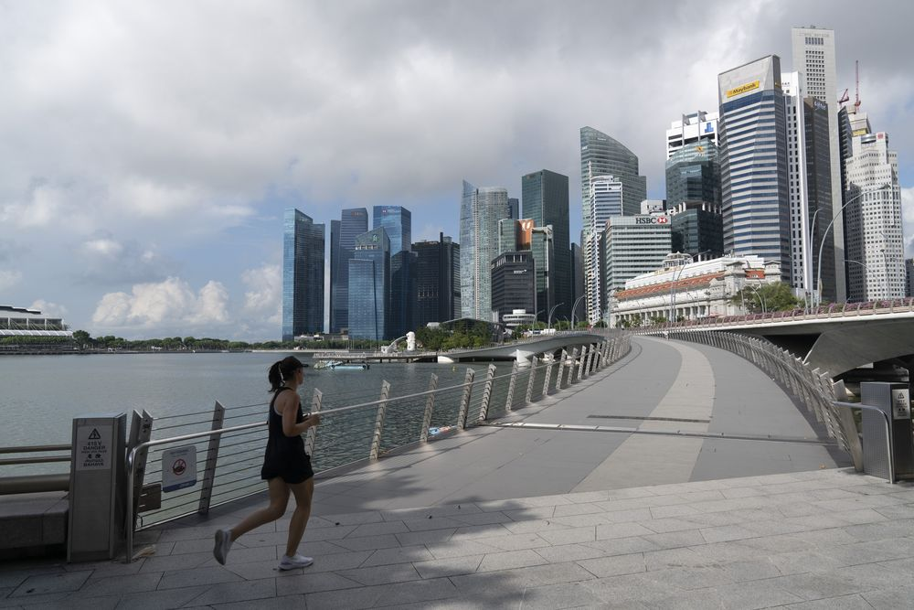 Singapore Doesn't See Second Coronavirus Wave at This Point - Bloomberg