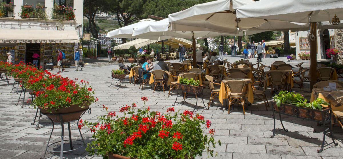 Italy's Struggling Economy Has World's Healthiest People