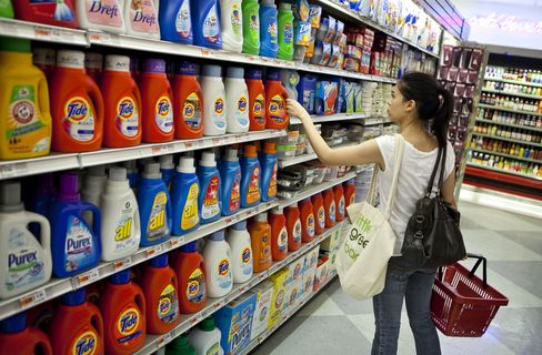 P&G Spurns .Pampers as Brands Balk at Expanding Internet Nam