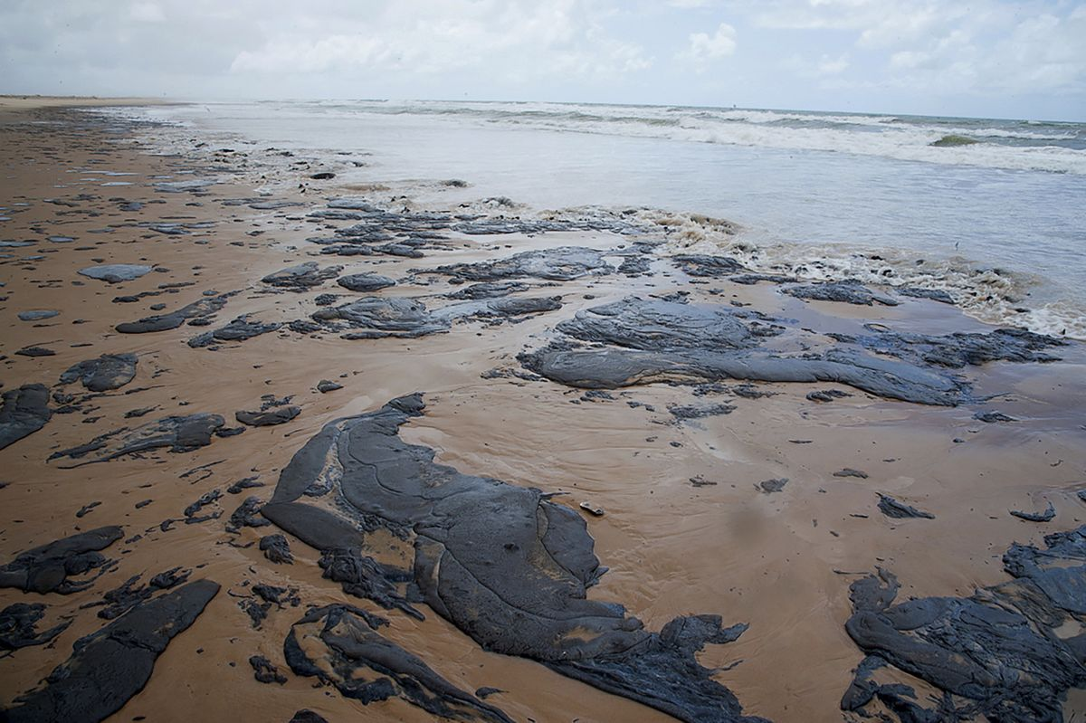 Brazil Says Oil Polluting Its Coast Probably Came From Venezuela