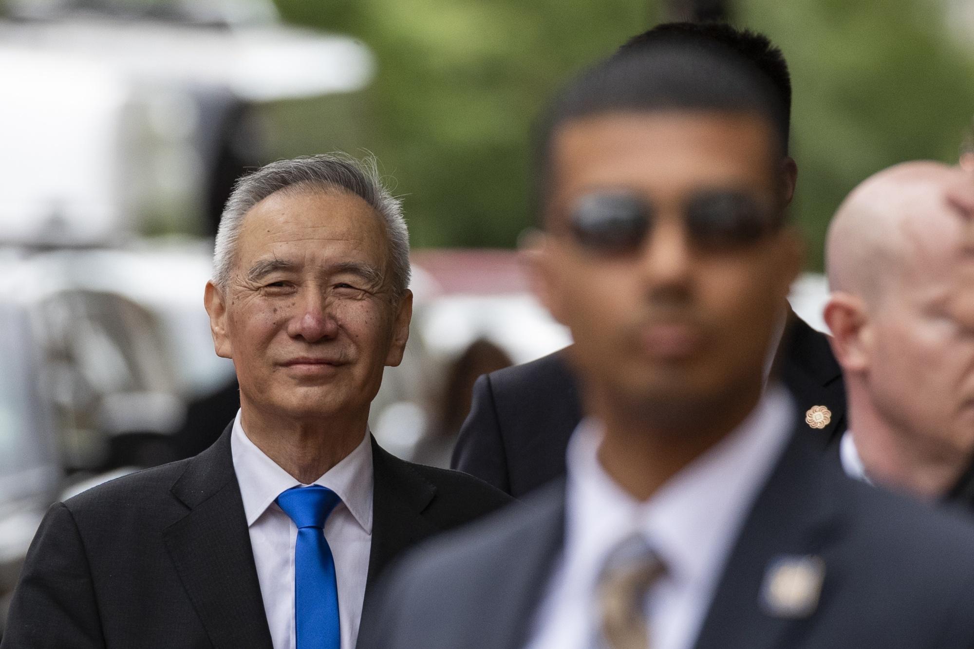 San sang tat tay, ong Trump se ap thue len toan bo hang nhap khau tu Trung Quoc?