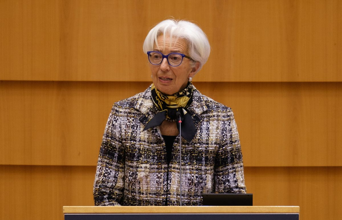 Lagarde Says ECB Set for Hybrid Home and Office Work Post-Crisis
