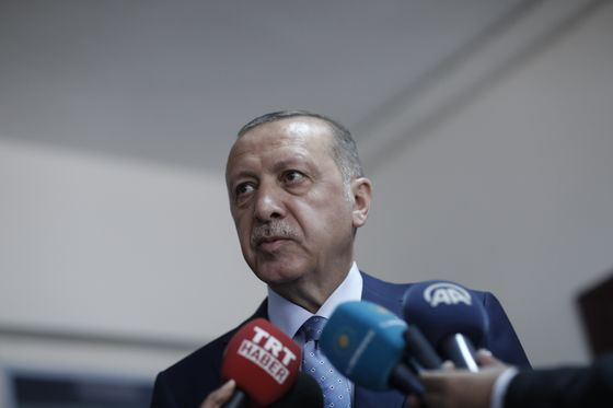 Erdogan'sIntense Campaigning Shows He Has Plenty to Worry About