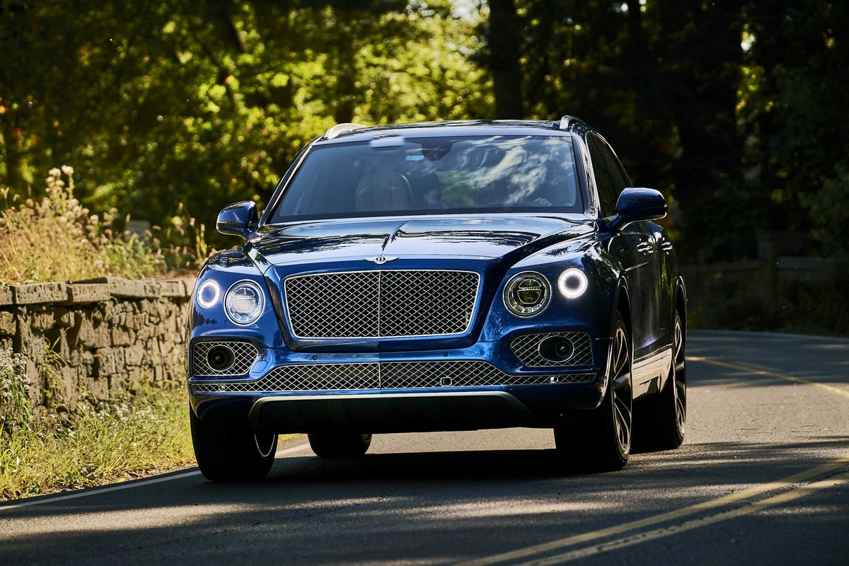 2018 bentley bentayga review worth the 200 000 price tag bloomberg. Black Bedroom Furniture Sets. Home Design Ideas