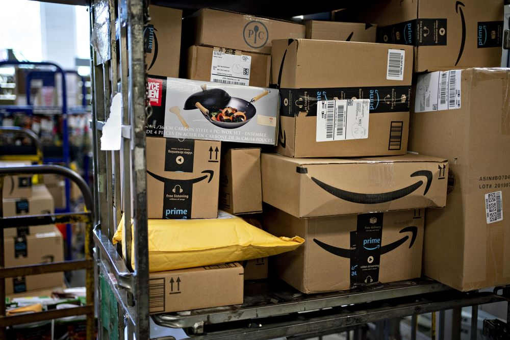 Usps Last Day To Ship For Christmas 2021 Usps Shipping Delays Christmas Deadlines Missed As Warehouses Face Crush Bloomberg